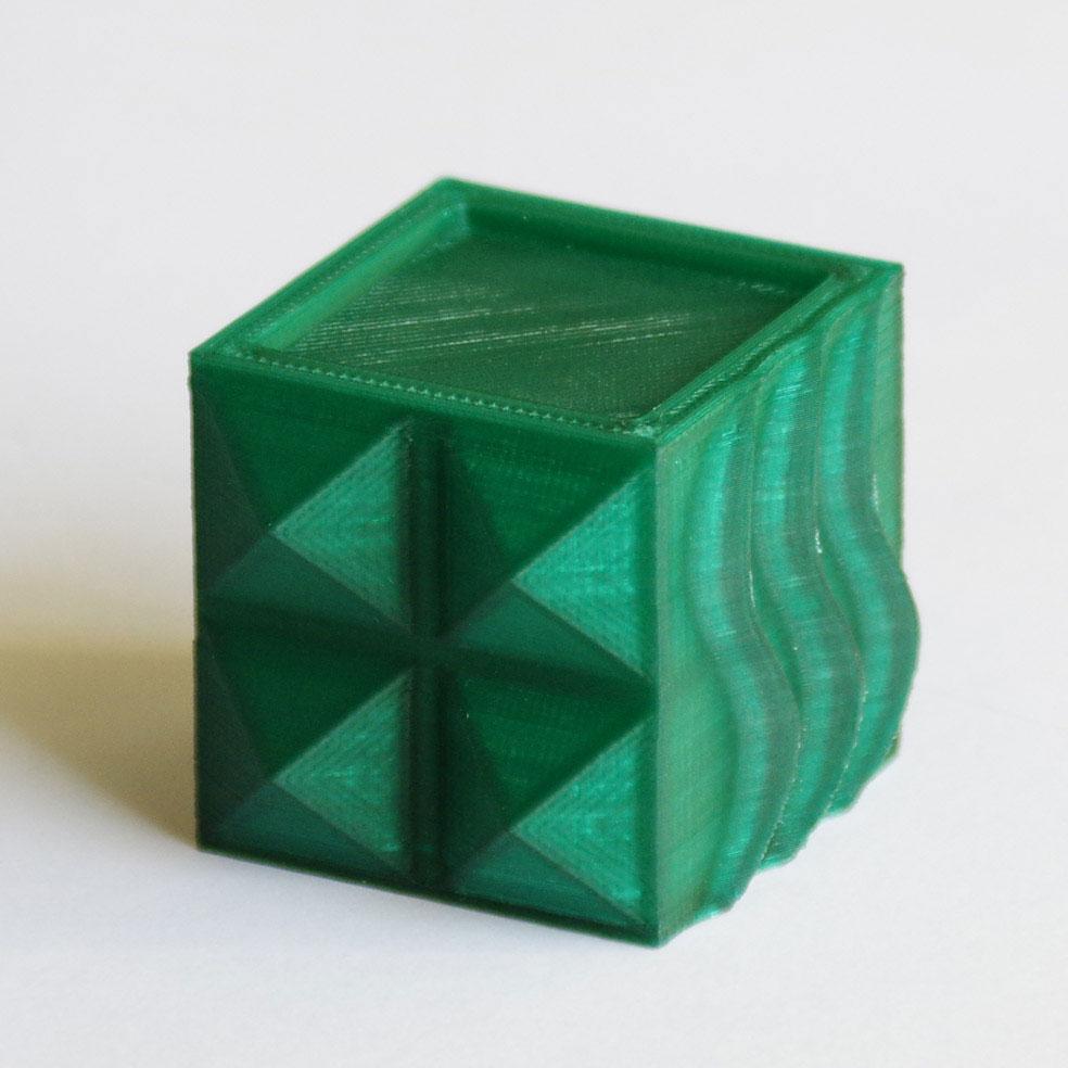 Impression 3D - Cube PLA vert translucide