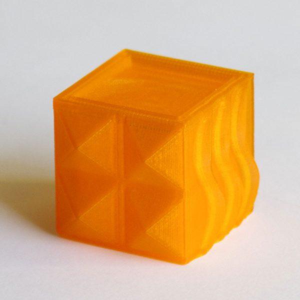 Impression 3D - Cube PLA orange translucide